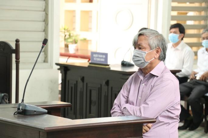 Xét xử nguyên Giám đốc Sở Y tế Long An: Vì sao tòa trả hồ sơ? - Ảnh 1.