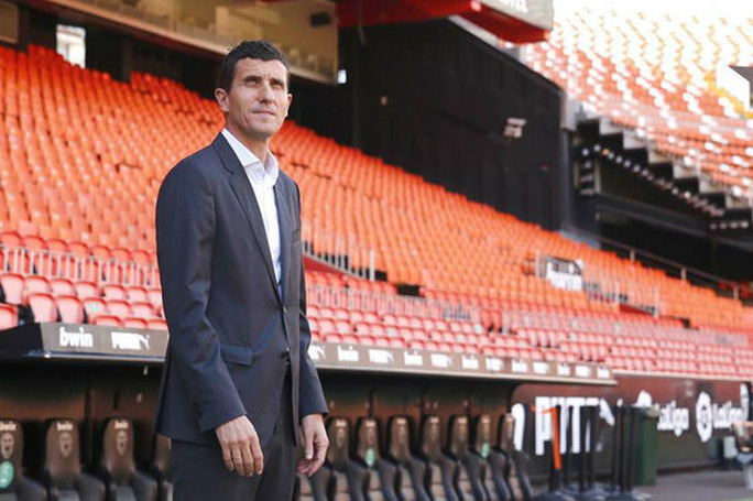 Cạn kiệt tài chính, cựu vương Valencia rao bán cả đội bóng La Liga - Ảnh 2.