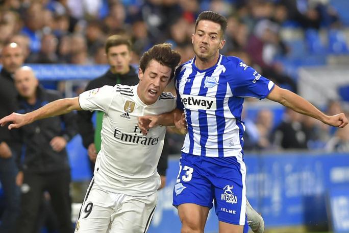 Bom xịt Real Madrid đá 10 trận giành 4 cúp, vô địch ở hai quốc gia - Ảnh 7.