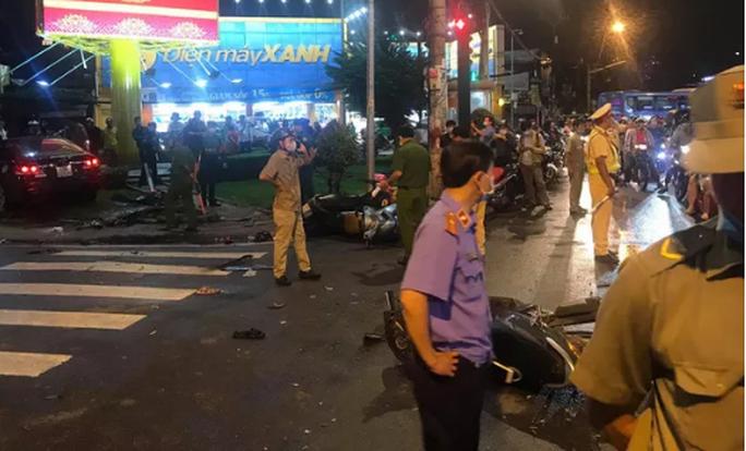 Nguyên nhân nữ tài xế 23 tuổi lái ô tô tông hàng loạt xe gắn máy - Ảnh 3.