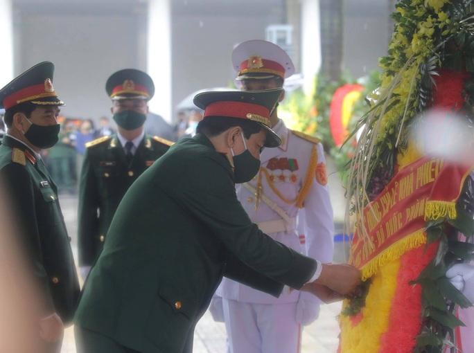 Thủ tướng Nguyễn Xuân Phúc, Chủ tịch QH Nguyễn Thị Kim Ngân viếng nguyên Tổng Bí thư Lê Khả Phiêu - Ảnh 41.