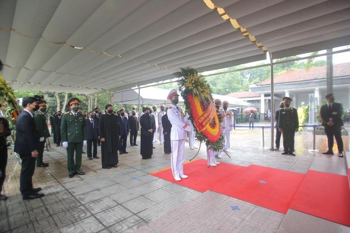 Thủ tướng Nguyễn Xuân Phúc, Chủ tịch QH Nguyễn Thị Kim Ngân viếng nguyên Tổng Bí thư Lê Khả Phiêu - Ảnh 26.