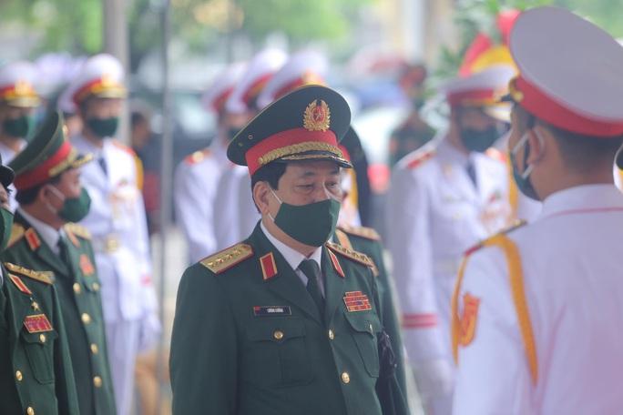 Thủ tướng Nguyễn Xuân Phúc, Chủ tịch QH Nguyễn Thị Kim Ngân viếng nguyên Tổng Bí thư Lê Khả Phiêu - Ảnh 39.