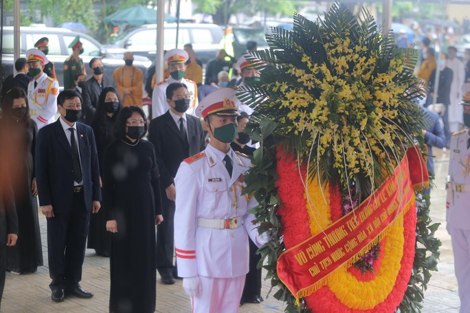 Thủ tướng Nguyễn Xuân Phúc, Chủ tịch QH Nguyễn Thị Kim Ngân viếng nguyên Tổng Bí thư Lê Khả Phiêu - Ảnh 32.