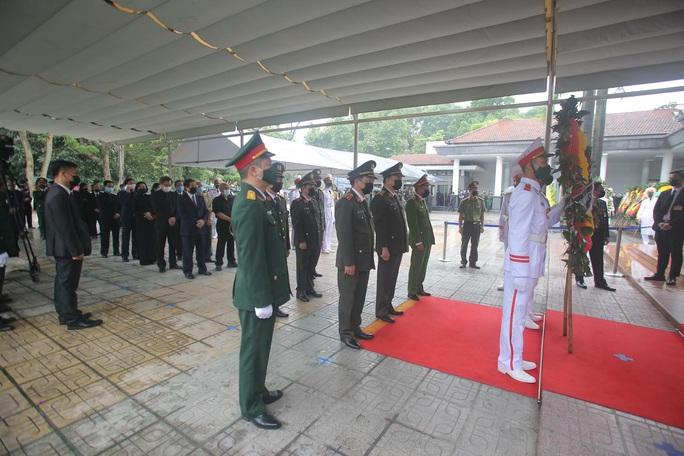 Thủ tướng Nguyễn Xuân Phúc, Chủ tịch QH Nguyễn Thị Kim Ngân viếng nguyên Tổng Bí thư Lê Khả Phiêu - Ảnh 42.