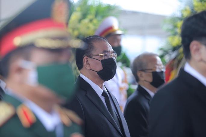 Thủ tướng Nguyễn Xuân Phúc, Chủ tịch QH Nguyễn Thị Kim Ngân viếng nguyên Tổng Bí thư Lê Khả Phiêu - Ảnh 11.