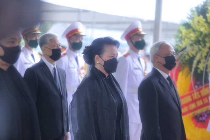 Thủ tướng Nguyễn Xuân Phúc, Chủ tịch QH Nguyễn Thị Kim Ngân viếng nguyên Tổng Bí thư Lê Khả Phiêu - Ảnh 27.