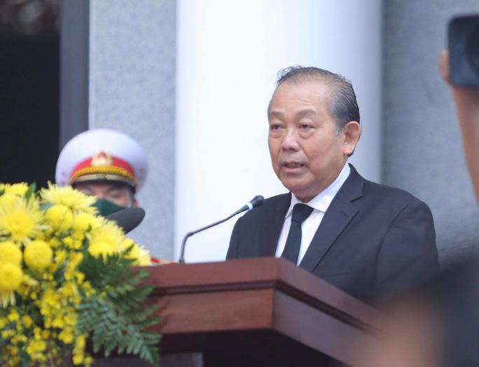 Thủ tướng Nguyễn Xuân Phúc, Chủ tịch QH Nguyễn Thị Kim Ngân viếng nguyên Tổng Bí thư Lê Khả Phiêu - Ảnh 12.
