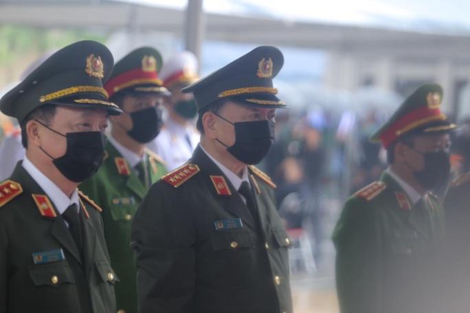 Thủ tướng Nguyễn Xuân Phúc, Chủ tịch QH Nguyễn Thị Kim Ngân viếng nguyên Tổng Bí thư Lê Khả Phiêu - Ảnh 43.
