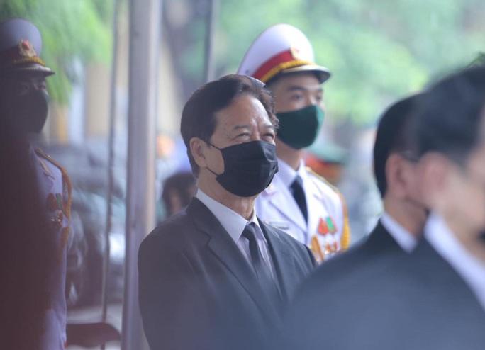 Thủ tướng Nguyễn Xuân Phúc, Chủ tịch QH Nguyễn Thị Kim Ngân viếng nguyên Tổng Bí thư Lê Khả Phiêu - Ảnh 13.