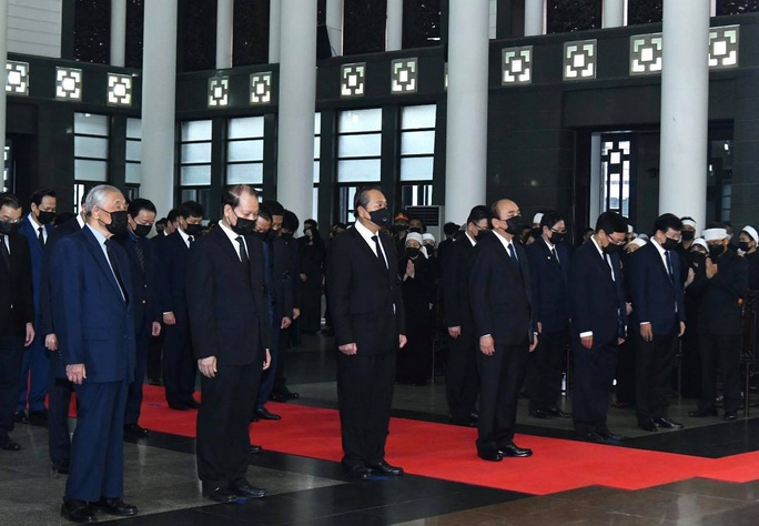 Thủ tướng Nguyễn Xuân Phúc, Chủ tịch QH Nguyễn Thị Kim Ngân viếng nguyên Tổng Bí thư Lê Khả Phiêu - Ảnh 24.