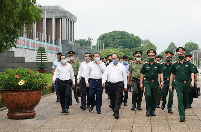 Mở cửa trở lại Lăng Chủ tịch Hồ Chí Minh từ ngày 15-8 - Ảnh 1.