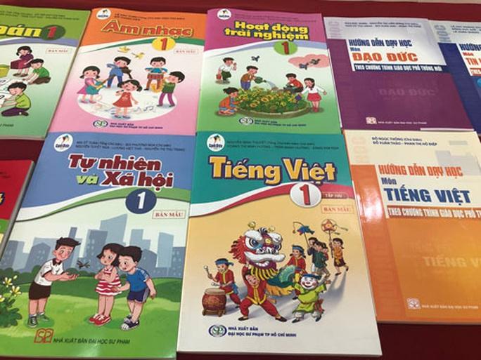 Sách giáo khoa lớp 1 mới đã về các trường - Ảnh 1.
