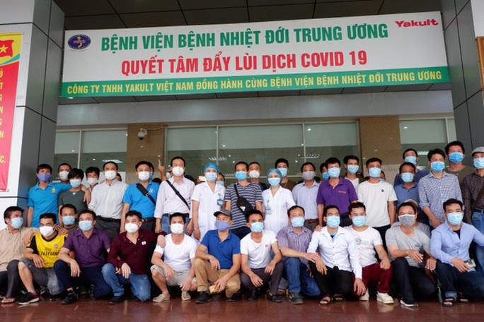 Gần 200 công dân Việt về từ Guinea Xích đạo hết hạn cách ly được về nhà - Ảnh 1.