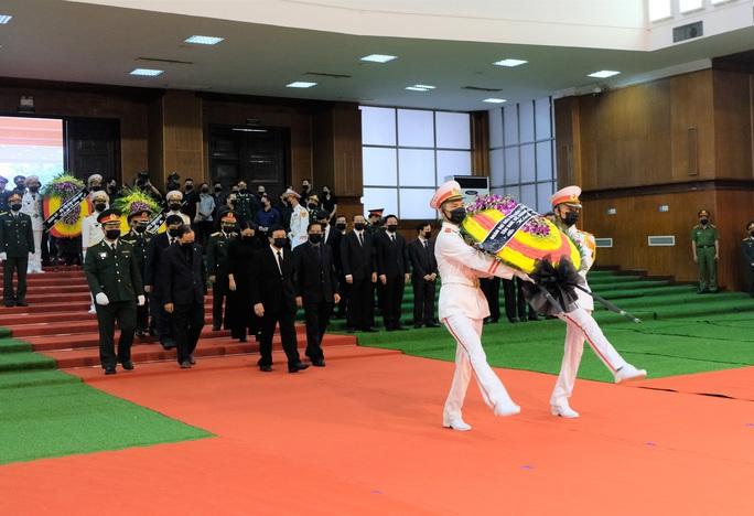 Hình ảnh Lễ viếng nguyên Tổng Bí thư Lê Khả Phiêu tại quê nhà - Ảnh 5.