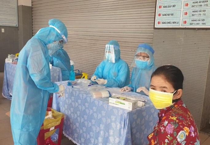 2 ca Covid-19 mới ở Quảng Nam là 2 bà cháu, bà buôn bán tạp hóa - Ảnh 1.