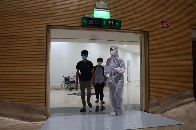 Quy trình tiếp nhận bệnh nhân Covid-19 ở Bệnh viện dã chiến Tiên Sơn ra sao? - Ảnh 3.