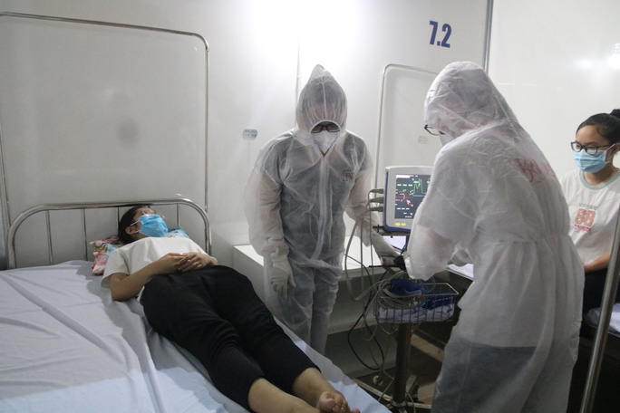Quy trình tiếp nhận bệnh nhân Covid-19 ở Bệnh viện dã chiến Tiên Sơn ra sao? - Ảnh 4.
