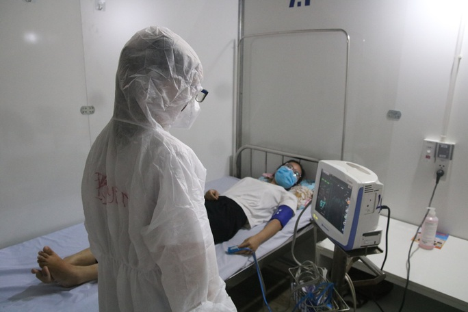Quy trình tiếp nhận bệnh nhân Covid-19 ở Bệnh viện dã chiến Tiên Sơn ra sao? - Ảnh 5.