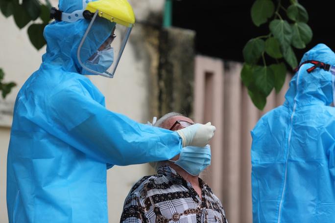 Lịch trình 14 ca Covid-19: Có Phó chủ tịch phường từng đến khám tại Bệnh viện Đà Nẵng - Ảnh 1.