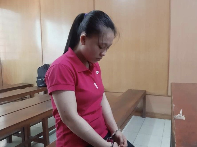 Sau trận cãi vã, cô gái 20 tuổi ra tay tàn nhẫn với chồng hờ - Ảnh 1.