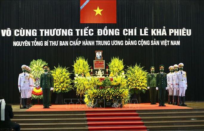 Thủ tướng Nguyễn Xuân Phúc, Chủ tịch QH Nguyễn Thị Kim Ngân viếng nguyên Tổng Bí thư Lê Khả Phiêu - Ảnh 19.