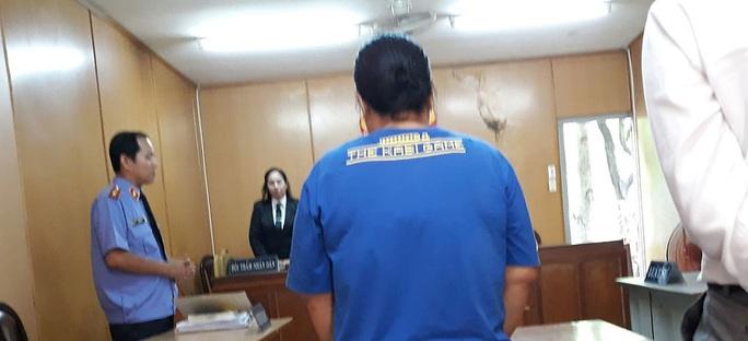 Công an TP HCM truy tìm đối tượng Nguyễn Thị Nở chiếm giữ trái phép tài sản - Ảnh 1.