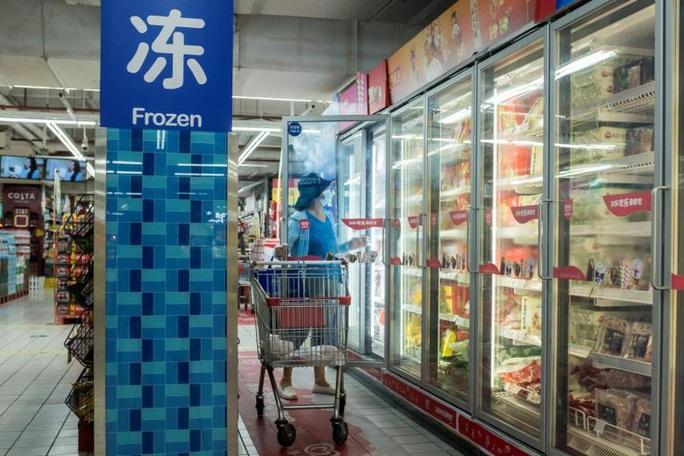 Covid-19: Trung Quốc nghi thực phẩm đông lạnh, chuyên gia quốc tế nói gì? - Ảnh 3.