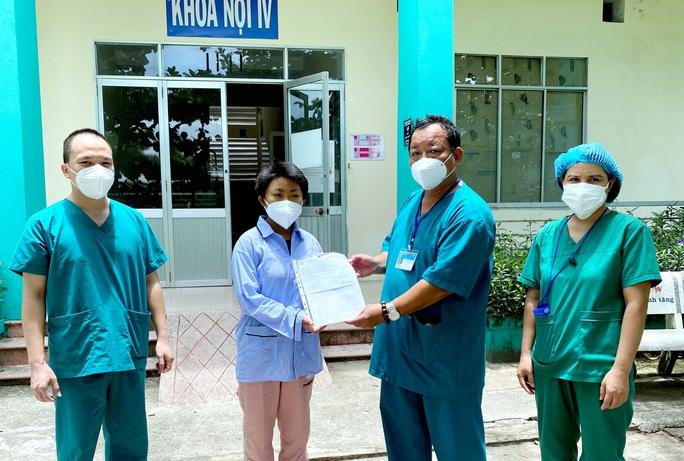 Đà Nẵng: Thêm 10 bệnh nhân Covid-19 xuất viện - Ảnh 1.