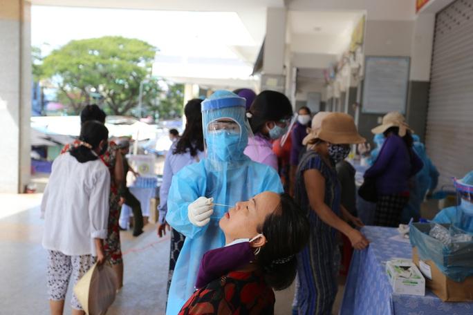 4 ca Covid-19 ở Quảng Nam: 1 giáo viên lịch trình dày đặc, 1 cháu bé tiếp xúc hàng loạt bạn - Ảnh 1.