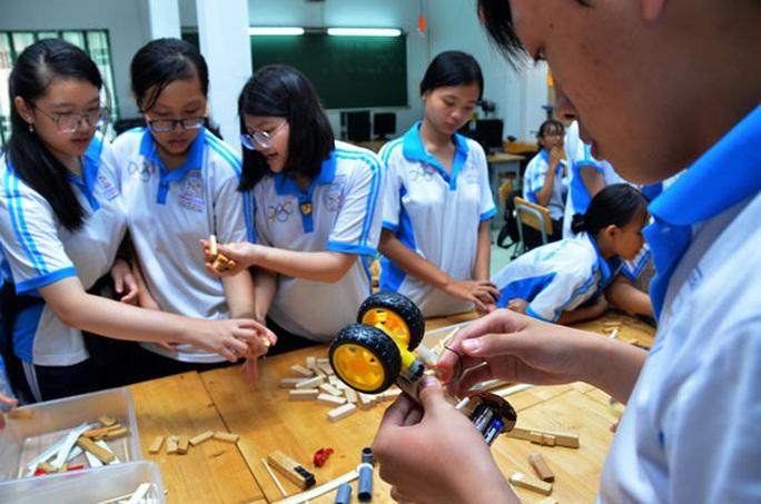 Áp dụng linh hoạt các hình thức giáo dục STEM - Ảnh 1.