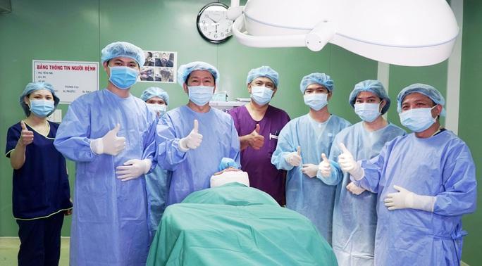 Tâm sự của bác sĩ sau ca đại phẫu chàng trai mặt quỷ - Ảnh 5.