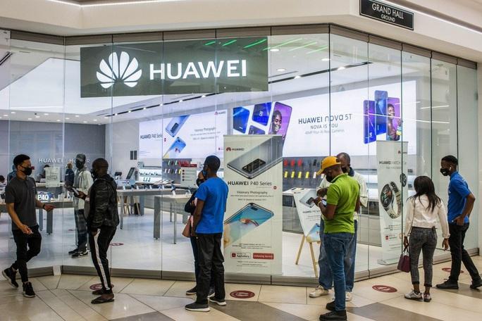 Bị Mỹ chặn đường, Huawei vẫn còn miền đất hứa - Ảnh 1.