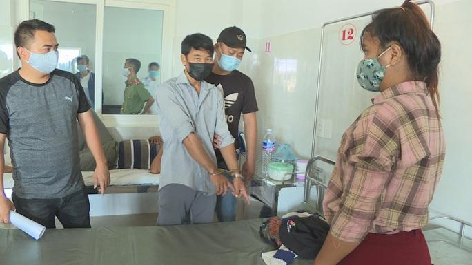 Cảnh sát vây bắt 2 đối tượng chuyện trộm cắp trong bệnh viện - Ảnh 3.