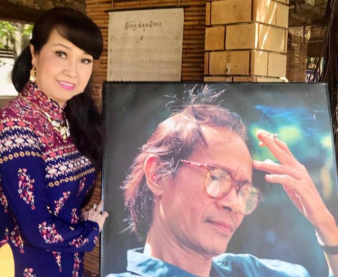 Ái nữ Út Trà Ôn chạnh lòng trong không gian nhạc Trịnh - Ảnh 2.