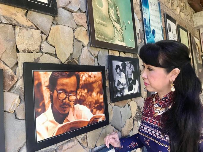 Ái nữ Út Trà Ôn chạnh lòng trong không gian nhạc Trịnh - Ảnh 1.