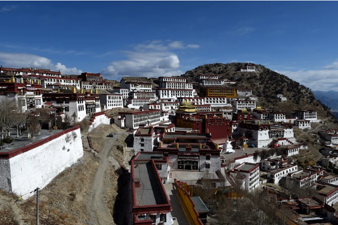 Chuyến thăm bất thường của bộ trưởng ngoại giao Trung Quốc đến Tây Tạng - Ảnh 2.