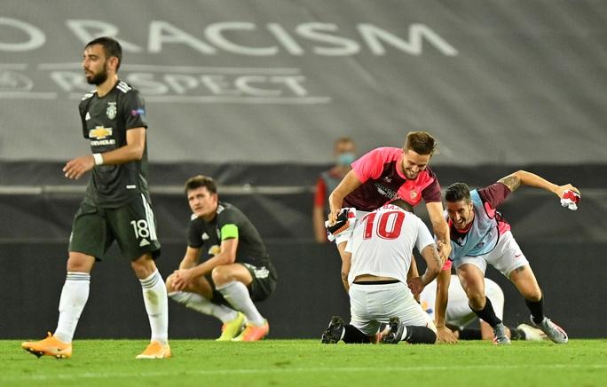 Thua ngược Sevilla ngỡ ngàng, Man United chia tay Europa League - Ảnh 11.