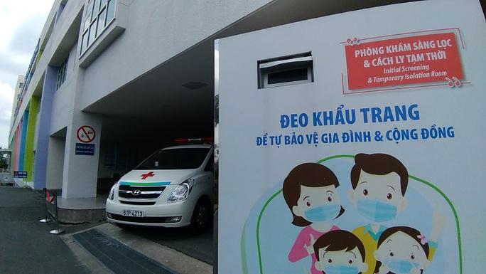 TP HCM: Thêm 636 người về từ Đà Nẵng khai báo y tế - Ảnh 1.