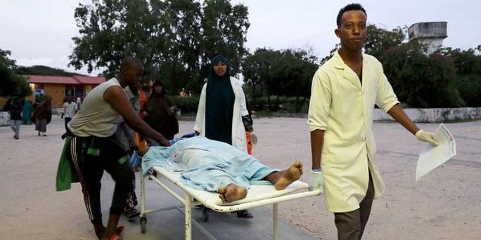Somalia: Gặp họa sát thân khi đang dùng bữa ở khách sạn hạng sang - Ảnh 3.