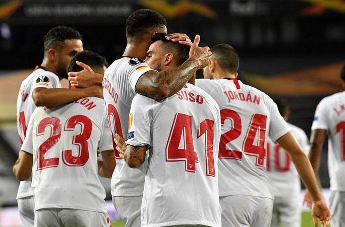 Thua ngược Sevilla ngỡ ngàng, Man United chia tay Europa League - Ảnh 7.