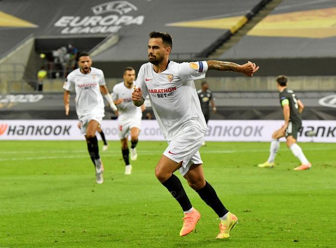 Thua ngược Sevilla ngỡ ngàng, Man United chia tay Europa League - Ảnh 6.