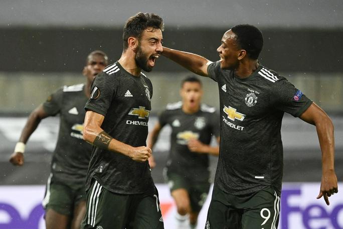 Thua ngược Sevilla ngỡ ngàng, Man United chia tay Europa League - Ảnh 4.