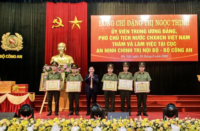 Phó Chủ tịch nước biểu dương những chiến công xuất sắc của Cục An ninh chính trị nội bộ - Ảnh 4.