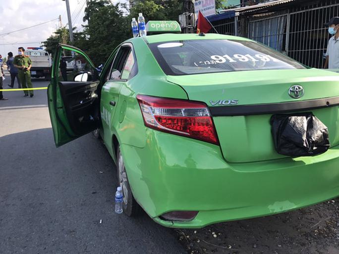 Gã đàn ông mượn taxi chở nhiều thuốc lắc và ma túy từ TP HCM về Tiền Giang - Ảnh 1.