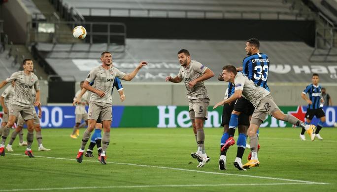 Song sát rực sáng, Inter Milan mở đại tiệc Europa League - Ảnh 3.
