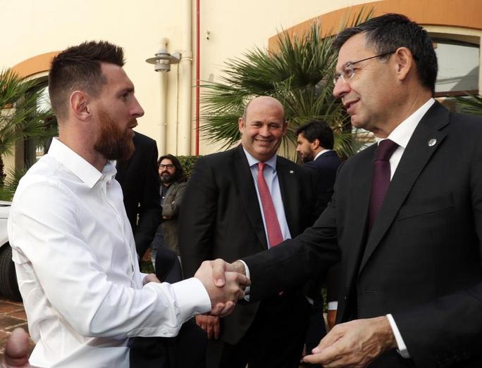 Messi yêu cầu ra đi sớm, giông bão ập đến Barcelona - Ảnh 7.
