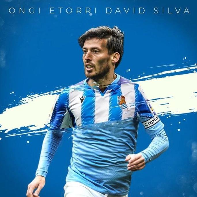 David Silva được Man City dựng tượng vinh danh - Ảnh 1.