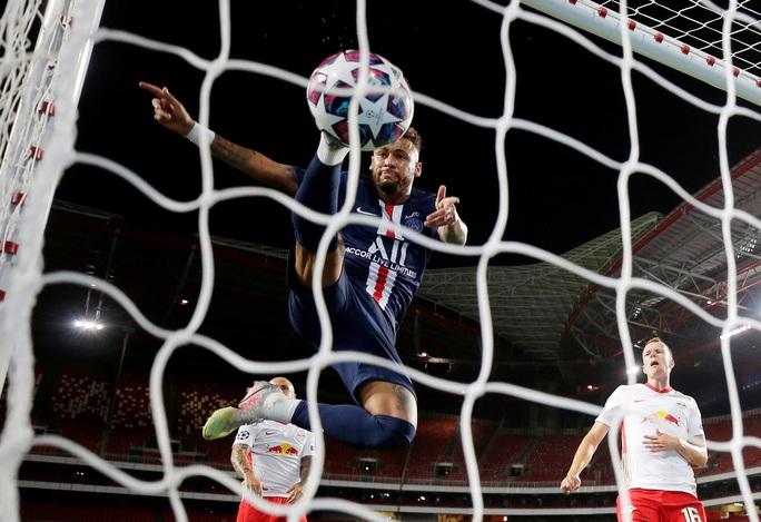 Neymar có nguy cơ bị cấm đá chung kết Champions League? - Ảnh 5.