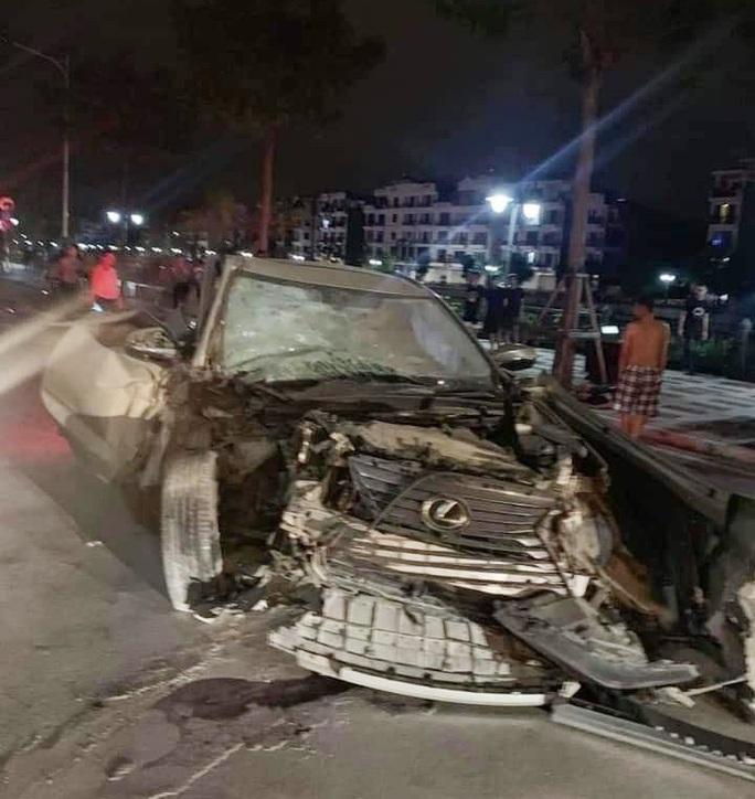 Xe sang Lexus gây tai nạn liên hoàn, nữ công an phường tử nạn - Ảnh 2.